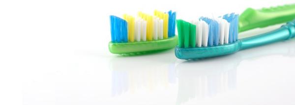 Cepillos dentales. higine dental con ortodoncias. Coed Dra Arranz Clínica Dental. Tres Cantos