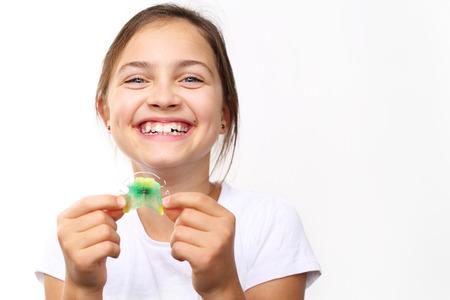 Aparatos de avance mandibular, de tracción del maxilar y disyuntores